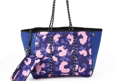 neoprene blue bag with animal print